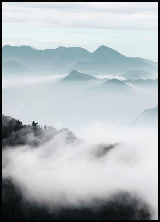 Misty Mountains Juliste